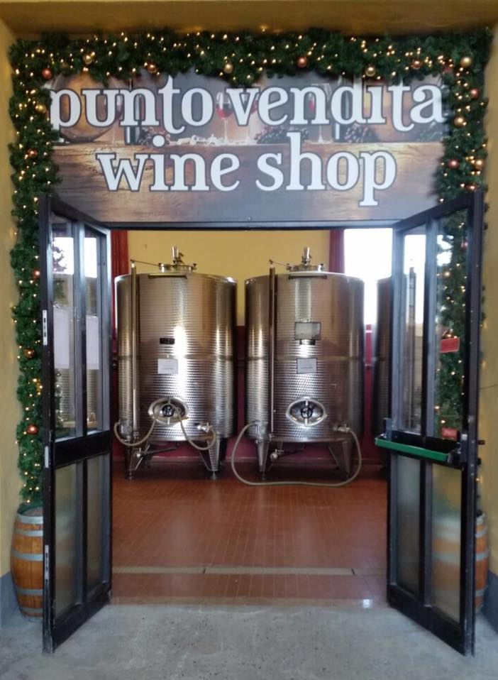 Christmas gifts at the Wine Shop of La Torre di Castel Rocchero